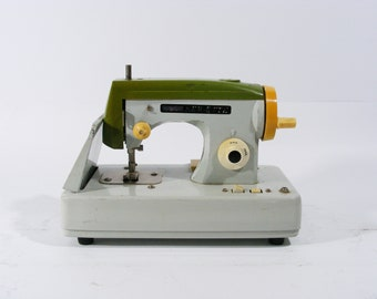 Vintage Sewette Made in Japan Battery Operated Toy Sewing Machine 1970's
