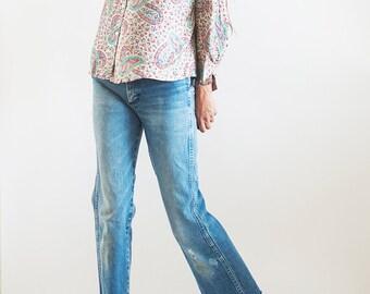 70s// 100%  Silk Twill// Paisley Print// Crop// Button Shirt// Small - Medium