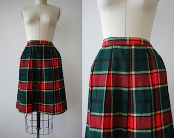 vintage 1960s skirt / 60s plaid skirt / 60s rainbow plaid wool skirt / 60s pleated skirt / 1960s school girl skirt / 26 inch waist 25 inch