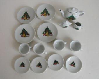 Child's Porcelain Christmas Tea Set   (1513)