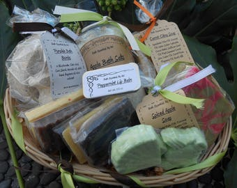 Mother's Day Gift Basket, Bath Set, Soap Gift Basket, Gift for Mom, Gift For Her, Gift  For Grandma, Present For Mom, Gift for Mother's Day