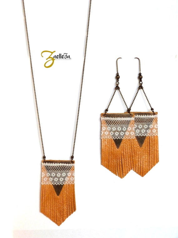 "Necklace mid-length leather mustard yellow fringes, triangle and lace ancienneTOTEM - Boho / gypsy / hippie - Collection ""Indian summer"""