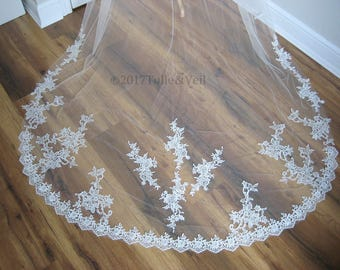 Cathedral lace veil - Brittney