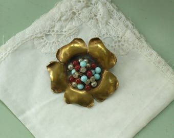 Brooch flower beads and antique brass French