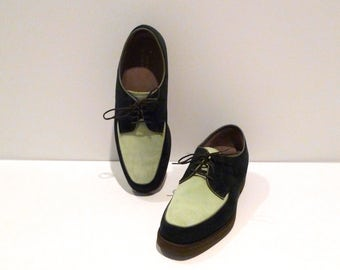 Hush Puppies Shoes Vintage Two Tone Oxfords Size 8.5 to 9 Green and Pale Green Suede Leather Lace Up Flats 1990s Rockabilly Hipster Preppy