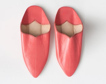 Women's Pink Leather Babouche || Traditional Moroccan Pointed Slippers || Dyed With Natural Colour || Coral