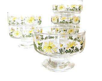 6 Glass Dessert Bowls Stemmed Dessert Bowls Libbey White & Yellow Retro Kitchen Daisy Decor
