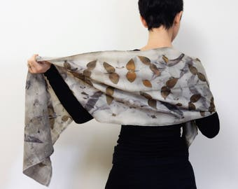 Pure wool scarf printed with real leaves naturally dyed, Ecoprinted cosy scarf, Ecoprint, Plant dyeing, OOAK, 36x148 cm, 100% wool