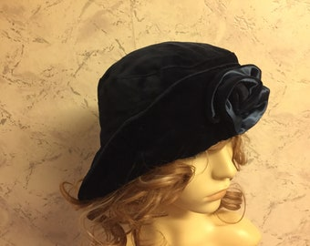 Mad Hatters Soft Navy Velvet  Authentic Vintage Cloche  Hat