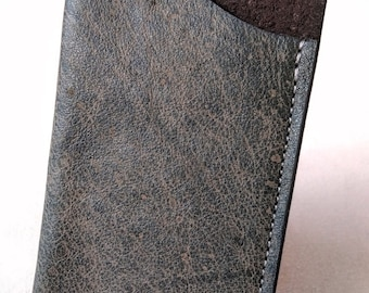 Vertical card holder in Rustic brown leather