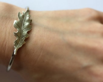 Silver Oak Leaf Bracelet Oak leaf bangle Oak Bracelet Bangle Oak Tree Jewelry Oak leaf Jewelry Silver woodland bracelet stacking bra