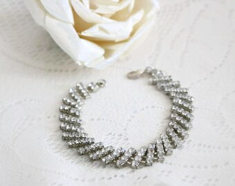 Vintage clear crystal rhinestone bracelet, shimmering and sparkling mid century bridal bracelet, wedding jewelry, vintage ladies bracelet
