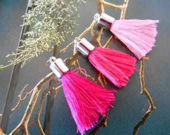 x 3 PomPoms in shades of pink.