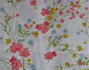 70's bedsheet / Springs Mills Sheet Piquot no iron muslin spring flowers twin flat sheet