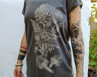 Artichokes T-shirt - Veggies - Veg - Vegan - Organic - Stone wash Grey - Screenprint - Discharge - Botanical Illustration - Silkscreen