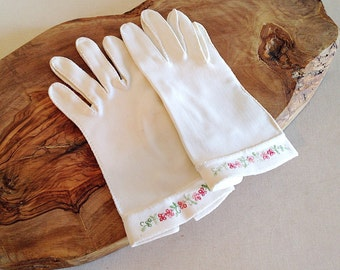 Vintage Lovely Embroidered White Gloves Mid Century