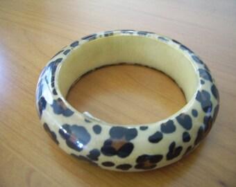 Animal wood bracelet