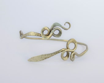 Hammered upper arm bracelet , arm band , arm cuff , leaf arm bracelet , boho arm bracelet, spiral arm bracelet, gold arm cuff
