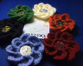 Crochet flower with petals  ,  Crochet flower