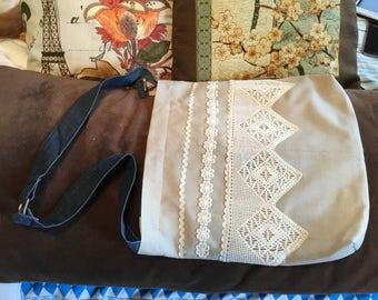 Nice handbag in ethnic style