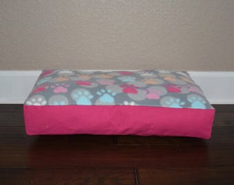 "Ready to Ship - 22"" Personalized Pet Bed"