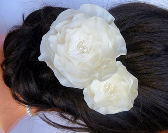 Ivory wedding flower hair clip, bridal hair flower, bridal hairpiece, bridal hair clip, wedding hair flower, wedding hair accessories