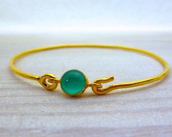 Turquoise Bangle Bracelet, Gold Stackable Bracelet, Stackable Bangle, Tiny Circle Bracelet, Wire Bangle Bracelet, Small Stone Bracelet
