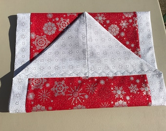 SALE-Red Metallic Snowflake Table Runner w/Glitter