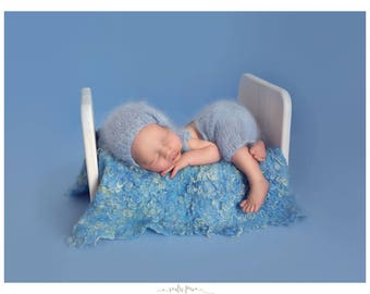 Curly wool newborn blanket, Newborn posing fabric, Blue felted layer photography props, Wool curls nest stuffer for baby photos