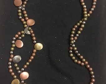Tri-colored brown bead necklace