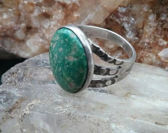 Navajo Vintage Green Turquoise (Cerillos) and Sterling Silver Ring Native American Jewelry size 5
