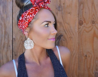 Vintage Inspired Red Bandana Pinup Dolly Bow Headband || Rockabilly Head Band w/ Wire Hair White Black Fashion Retro Rosie Wrap