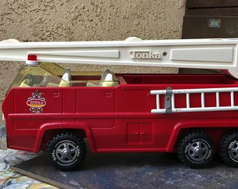 Tonka Aerial Ladder Fire Truck #2960, Vintage 1975 Tonka, Made in the USA