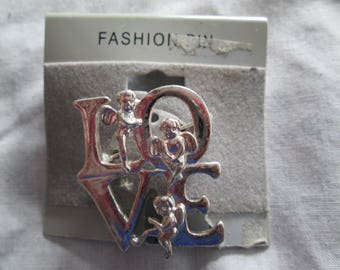 New Fashion silver LOVE brooch pin with cherub accents