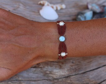 larimar and pearls bracelet, macrame bracelet with larimar and pearls, bracelet with white pearls and dominican blue larimar