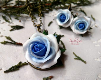 Delicate handmade jewellery set - pendant and earrings with ombre blue and white roses, wedding jewelry, bridal jewellery set, gift for her