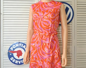Vintage Dress 60s does 20s Womens Mod Flapper Style/Drop Waist/Pleated/Watercolor Orange Pink Purple/Laura of Dallas Medium/Theater Costume