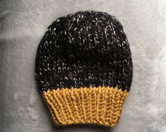 Adult Knit Hat // Chunky Knit Hat // Handmade Hat // Women's Chunky Knit Hat // Faux Fur Pom