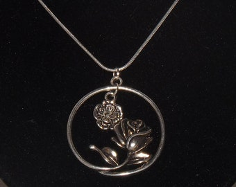 Necklace: Pretty Rose