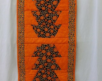 """Halloween Table Runner Pumpkins and Candy Corn Reversible Quilted 100% Cotton 40"""" x 18"""" NEW"""