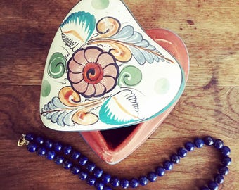 Vintage Ceramic Heart Box/Mexican Ceramic Jewelry Box/Ceramic Heart Box/Floral Heart Shape Box/Hand Painted Jewelry Box/ Floral Jewelry Box