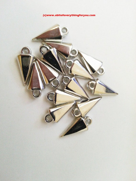 14 metallic plastic spike charms arrow point drops silver charms plastic pendants jewelry making supply findings
