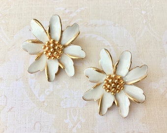 "Pretty Vintage Floral Earrings Signed ""Marvella"""