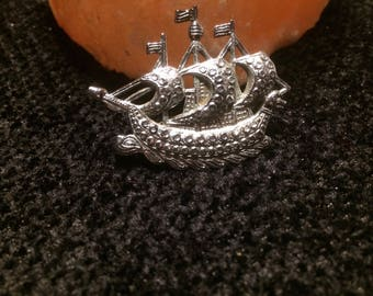 Silver marcasite sailing ship /tall ship/yacht brooch