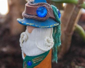 Mini Garden Figurine Gnome Wizard Figurine Blue Hat Magician Polymer Clay Wizard Terrarium Accessory Garden Decoration Plant Pot Decor