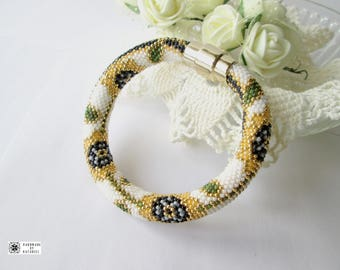 Bracelets for Women Beaded bracelet Floral bracelet Bracelet Beadwork Jewelry Festive bracelet Gift for a sister Gift of a mother's day
