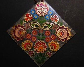 Pendant flowers folk art pattern