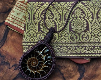 ammonite necklace, ammonite jewellery, ammonite gift, husband gift, boyfriend gift, man gift, boy necklace, man necklace, macrame necklace