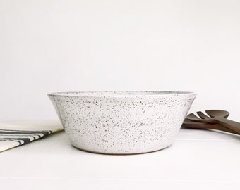MEDIUM White Speckled Pottery Serving Bowl, Fruit Bowl, Salad Bowl, Popcorn Bowl, Decorative Bowl, Large Ceramic Bowl
