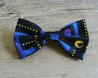 Pacman, Pacman Bow, Video Game, Hairbow, Mens Bow Tie, Kids Bow tie, Toddler Bow, Geek, Nerdy